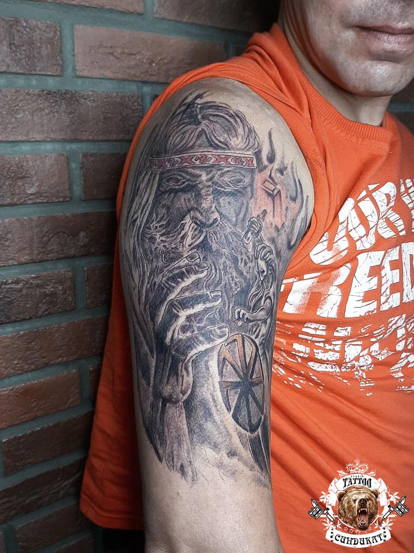 Сделать тату на руке викинги в Красноярске